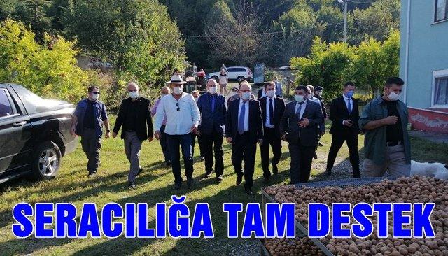 Vali Tutulmaz'dan sera üretimi yapan çiftçileri tebrik etti