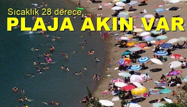 Hava sıcaklığı 28 derece… Vatandaş plaja akın etti