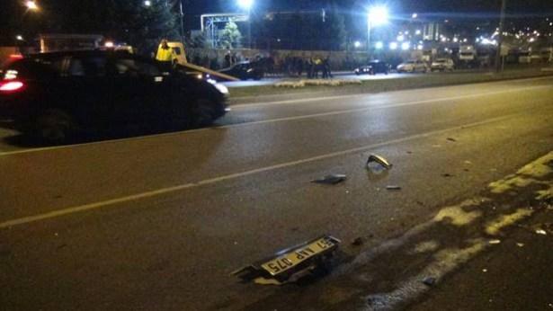 Kaza yapan sürücüler, olay yerini terk etti