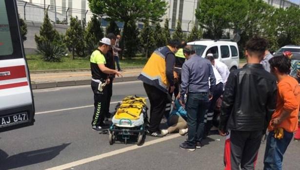 Otomobil anne ve 3 çocuğuna çarptı....