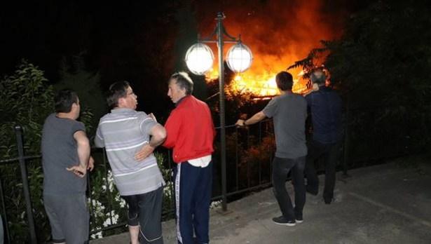 Gazi´nin evini tinerciler ateşe verdi