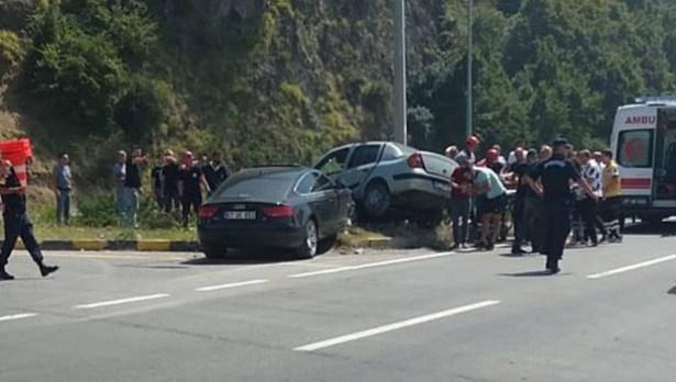 Tersaneler bölgesindeki trafik kazasında 3 kişi yaralandı