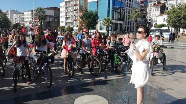 Çevre kirliliğine karşı, bisiklet kullanımına dikkat çektiler