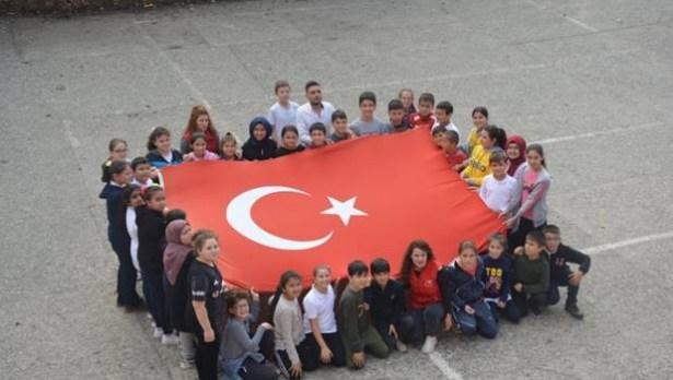 Öğrenciler, Mehmetçiklere destek