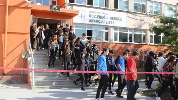 Afet tatbikatına 2 bin 400 öğrenci katıldı